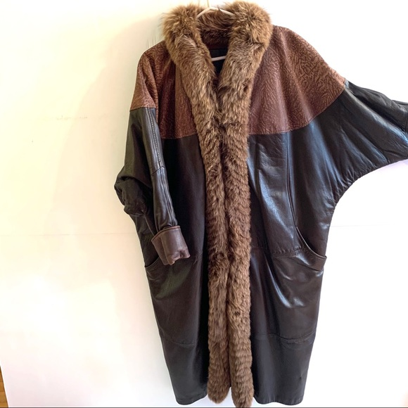 1980's Batwing Leather Fur Trim Coat - Size L
